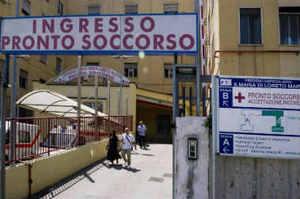 Minacce a infermiere del Loreto Mare, Carbone si rivolge al Prefetto