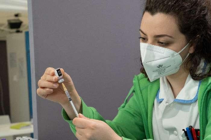 Roma: Regione chiarisca su infermieri non ancora vaccinati