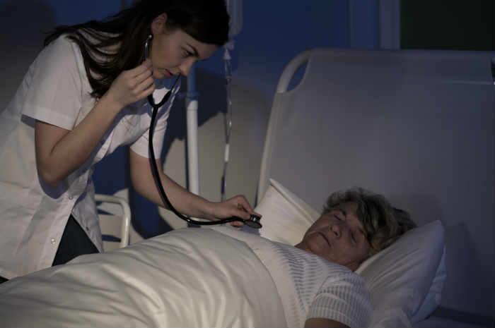 infermiera turno notturno