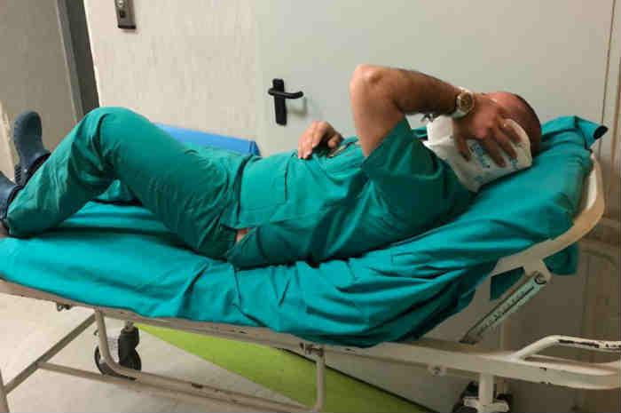 infermiere aggredito su una barella