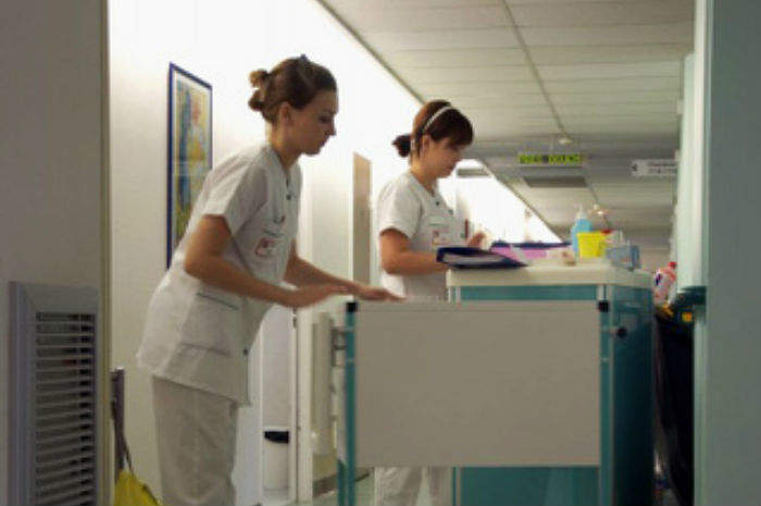 infermiere al lavoro