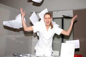 Neolaureata, sola con 70 pazienti: Questo non è fare l'infermiere
