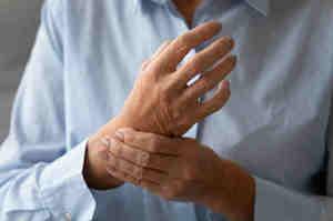 Artrite, cos'è e come si cura