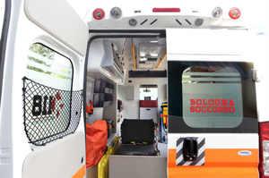 Infermieri soli in ambulanza, violata la deontologia medica