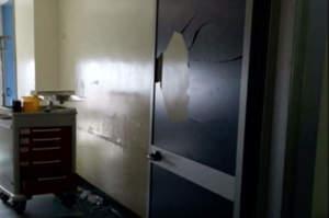 Boscotrecase, donna muore e i parenti assaltano l'ospedale
