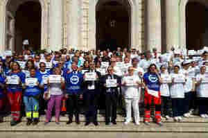 Cardarelli, un flash mob contro la violenza verso i sanitari