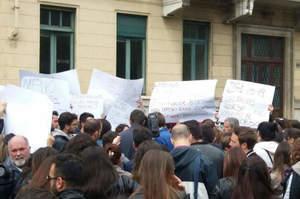 Torino: Tar sospende concorso, in 2500 gridano allo scandalo