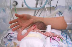 Infermiera arrestata per morfina a neonato: Parlano le mamme