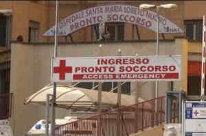 Napoli, aggrediti due infermieri di triage