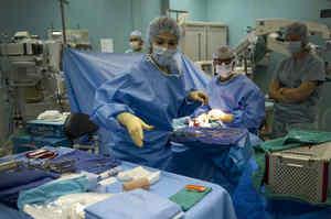 Interventi privati in ospedale ai danni dei pazienti in lista