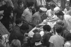 Bologna, 2 agosto 1980: Con le mani, per non dimenticare