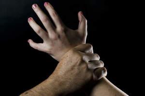 Infermiere stupratore, altre tre denunce