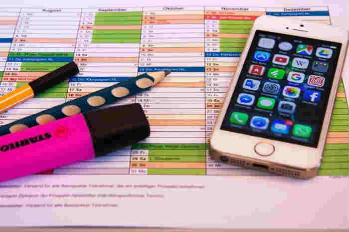 cellulare e calendario
