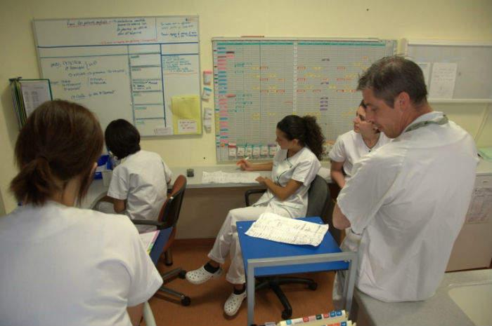 infermieri al lavoro