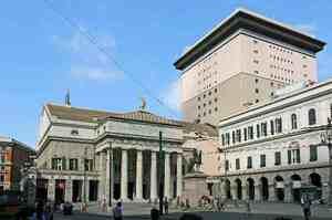 Genova omaggia infermieri con spettacolo al Carlo Felice