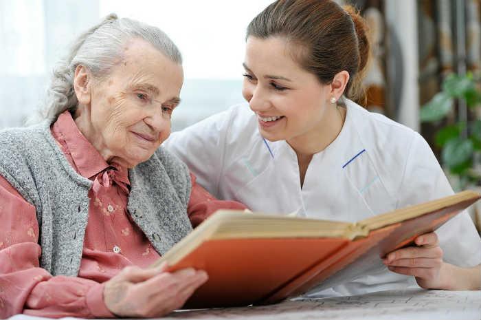 Paziente con demenza, l'assistenza da parte dell'oss