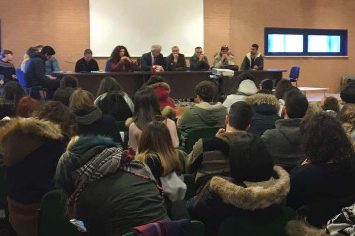 Incontro tra le autorità e gli studenti di Ascoli Piceno